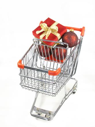 193060685-christmas-shopping-1443726.jpg